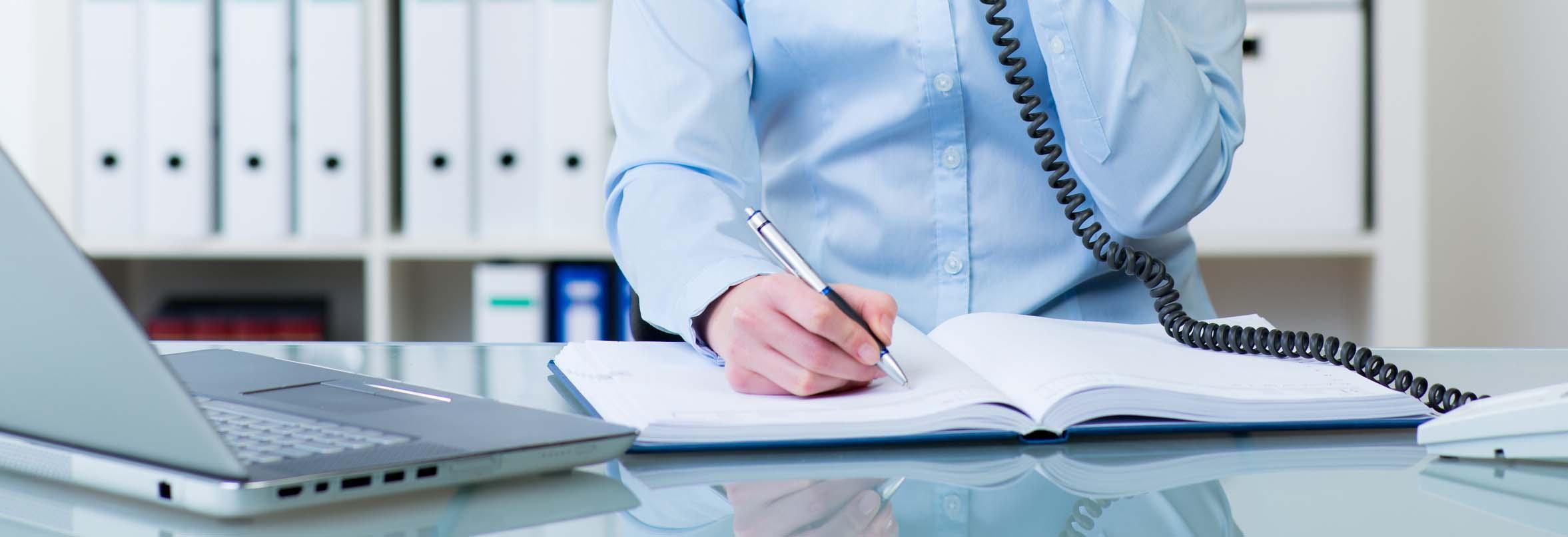 Wann und wie ein Mitglied einen Antrag mit Gerichtshilfe in die Tagesordnung bringen kann