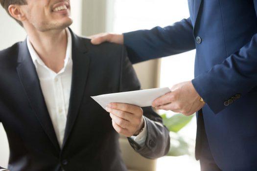 Vergütung an den Vorstand zahlen: ja oder nein?