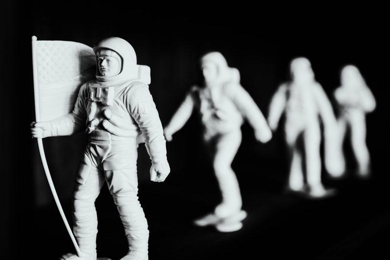 Die Mission 'eigener Verein' kann lang und steinig sein, wie der Weg dieser Astronautenfiguren. Am Anfang kann es daher Sinn ergeben, einen nicht eingetragenen Verein zu gründen.