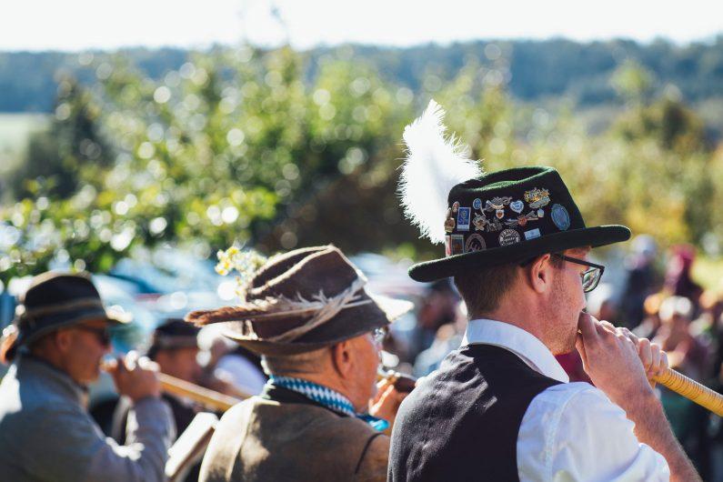Traditionellen Männervereinen droht die Aberkennung der Gemeinnützigkeit